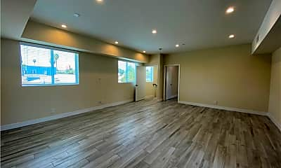 Living Room, 3040 Atwater Ave 1, 1