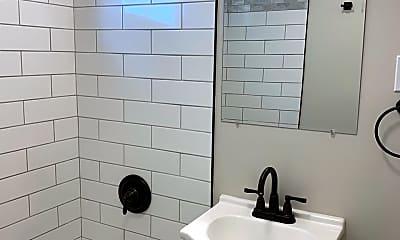 Bathroom, 36 Elmhurst Cir, 2