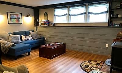 Living Room, 9 Stanley Dr, 2
