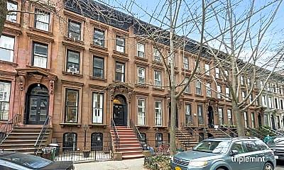 Building, 26 St James Pl 2-R, 2