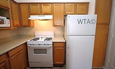 Kitchen, 3400 Shoreline Dr, 1
