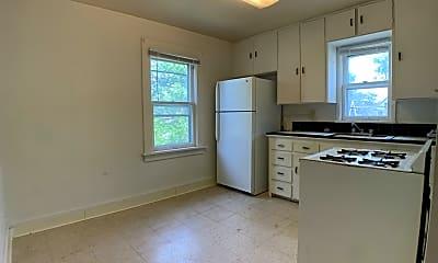 Kitchen, 2640 Cottage Grove Ave Apt 3, 1