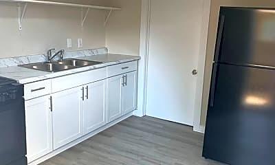 Kitchen, 652 S Jefferson Ave, 1