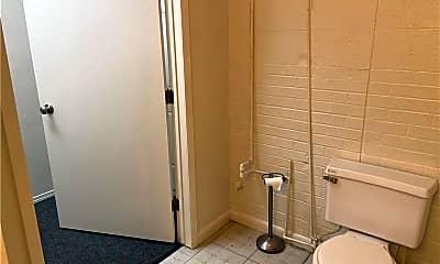 Bathroom, 718 Dallas St, 2