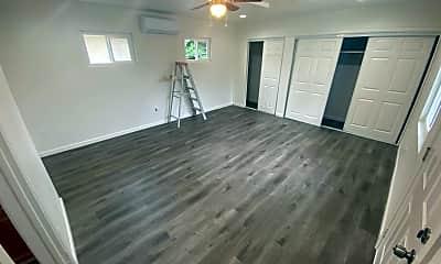 Living Room, 874 E. Jefferson Ave, 1