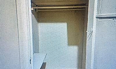 Living Room, 3030 Heath Ave, 2