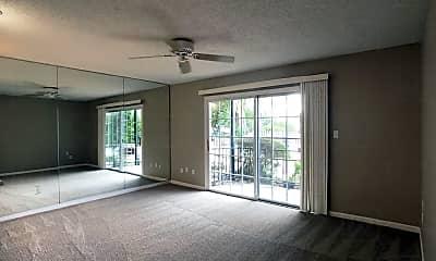 Living Room, 1327 31st St S B, 1