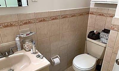 Bathroom, 1027 Washington St 3R, 1