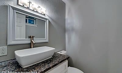 Bathroom, 5444 Gaston Ave, 2