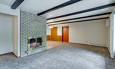 Living Room, Oak Hill Estates, 2