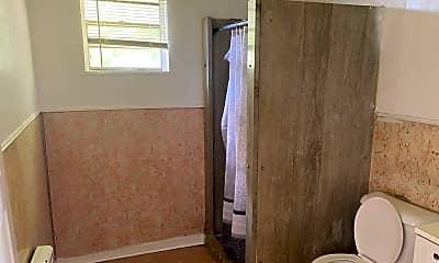 Bathroom, 2914 Lakeshore Dr, 2