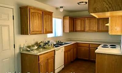 Kitchen, 3383 Houck Rd, 1