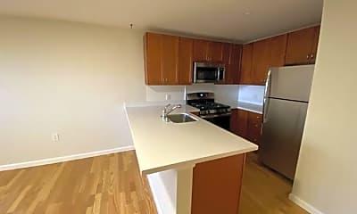 Kitchen, 600 Stanyan St, 1