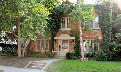 Building, 1122 S Quincy Ave, 0