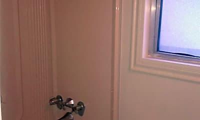 Bathroom, 2330 Capitol Ave, 2