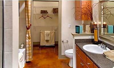 Bathroom, 610 St Emanuel St, 1