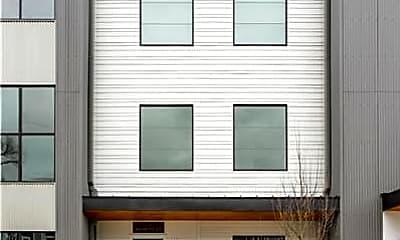 Building, 415 Merritt Ave, 1