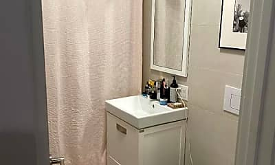 Bathroom, 76 Hart St, 2
