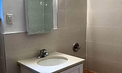 Bathroom, 85-38 Grand Ave, 2