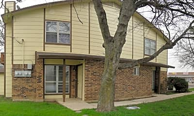 Building, 3001 Lake Rd, 1
