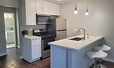 Kitchen, 1366 Oakland Blvd, 1
