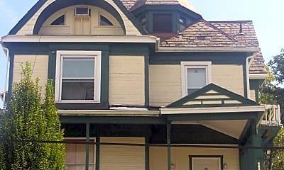 Building, 266 Locust Ave, 1