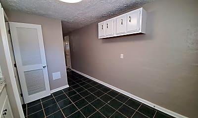 Kitchen, 728 N Broadway, 2