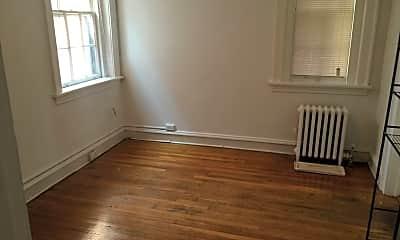 Living Room, 215 S Arthur Ashe Blvd, 2