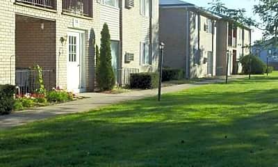 Fox Run Apartments, 1