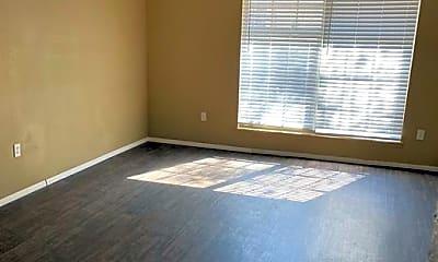 Living Room, 4015 Versailles Dr, 2