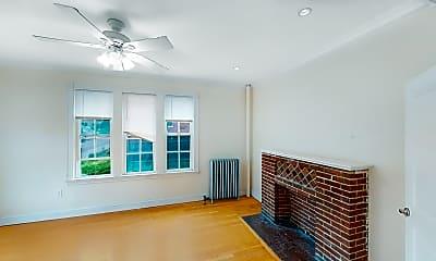 Living Room, 15 Glenville Avenue, Unit 3, 2