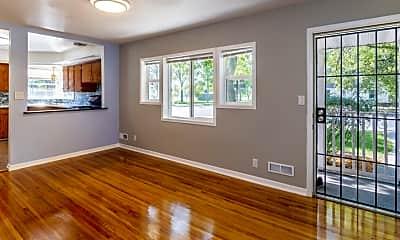 Living Room, 5545 Penn Ave S, 2