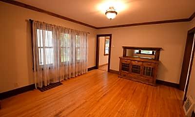 Living Room, 2727 Queen Ave N, 1