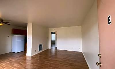 Living Room, 570 58th St, 0
