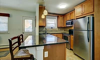 Kitchen, 27 Wharfside Dr, 1