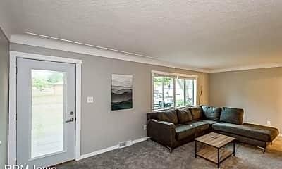 Living Room, 301 NW Scott St, 1