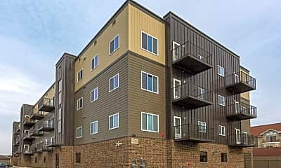 Building, Pineview Apartments, 1