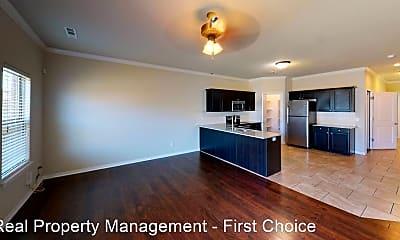 Living Room, 2711 W Shasta Rd, 1