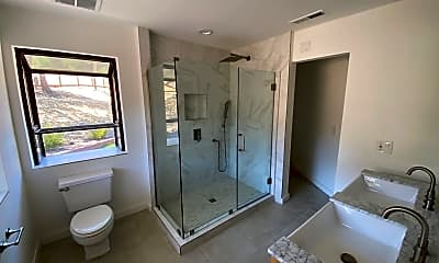 Bathroom, 39 Valley Rd, 1