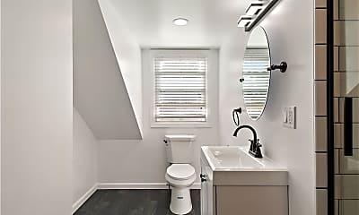 Bathroom, 46 Remsen Cir, 2