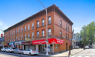 Building, 568 West Side Ave 1, 1