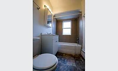 Bathroom, 5018 W Jackson- Pangea Real Estate, 2