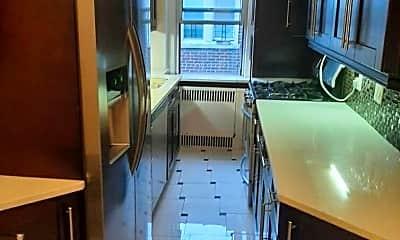 Kitchen, 63-89 Saunders St 6L, 2