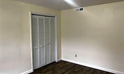 Bedroom, 518 Nash St 5, 2
