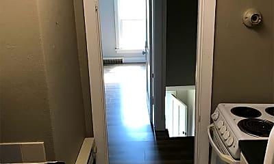 Bathroom, 924 7th St N, 1