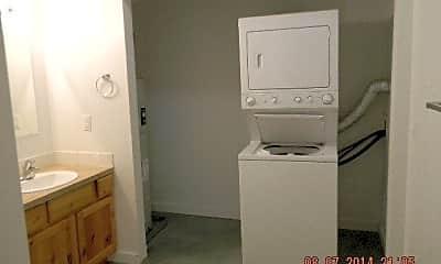 Bathroom, 2909 N 4th St, 1
