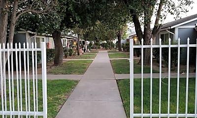 Clay Gardens Apartments, 2