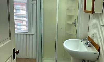Bathroom, 1449 W Locust St, 2