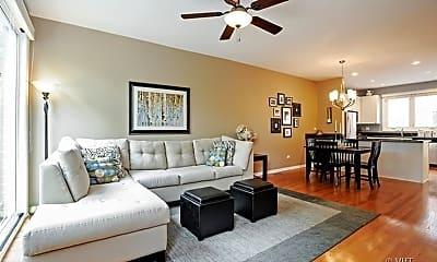 Living Room, 1827 W Oakdale Ave, 0