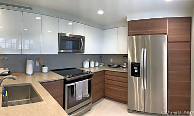 Kitchen, 3507 Oaks Way 802, 1